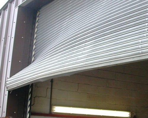 instalacion puerta industrial madrid