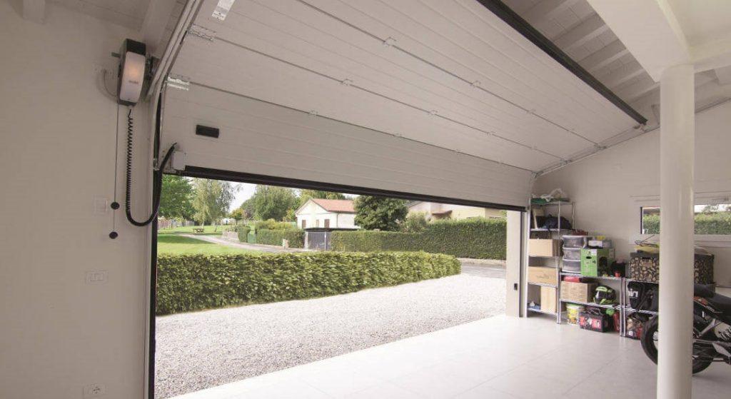 Acceso puerta garaje Calle Alcala