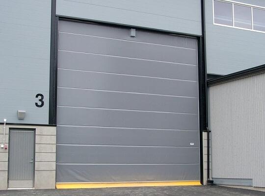 instalacion puertas industriales madrid